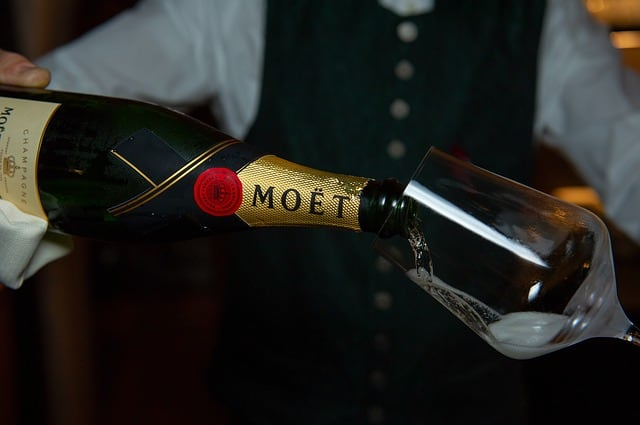 Moet vs Veuve - Which Is Better